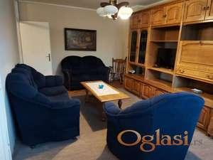 Izdajem dvosoban, komforan i namesten stan na odlicnoj lokaciji. Za vise informacija pozvati na 0611524454