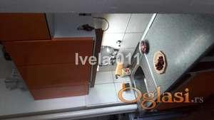Trosoban stan u Bulevaru oslobođenja ID#2076