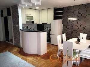 Exluzivno izdavanje duplex stana sa garazom Janka Cmelika, 550 eura