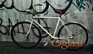Muski restauriran bicikl iz 70-ih