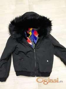 Kratka jakna sa bogatim krznom