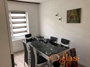 Prodaja stana u kući 90m2