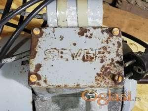 Elektromotor za mešalicu betona