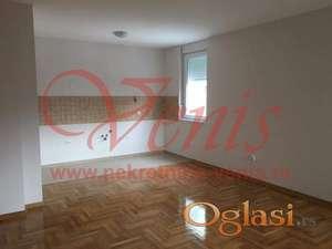 CENTAR ul.Sremska 47 m2–350 Evra - KANCELARIJA ID#1339