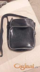 muska torbica nova