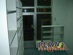 PRODAJA LOKALA KOSOVSKA NOVI SADPodaje se lokal povrine 26 m2 Nalazi se u neposrednoj blizini centra i idealan je za iznajmljivanje Agenci