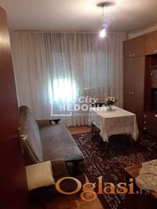 Prostran, svetao dvosoban stan u Sremčici ID#6419