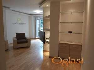 Stan pogodan za poslovni prostor, 85 m2 na Senjaku