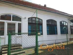 Dvorišna kuća u centru Zrenjanina