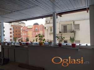 Garsonjera 26m2+14m2 terasa- Juzni Bulevar -Vracar-Beograd