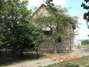 Prodajem kuću u Čenti