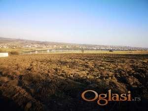 Poljoprivredno zemljište od 1,05 ha u Ameriću kod Mladenovca