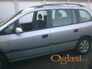 Novi Sad Opel Zafira 2002