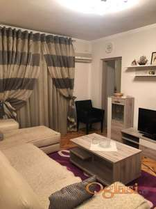 Dvosoban stan na godišnjem nivou na bulevaru kod milmedike, 400€