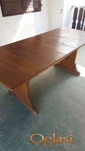 Dvorišni sto