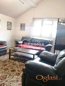 Noviji, jednoiposoban stan sa galerijom na Karaburmi ID#7231