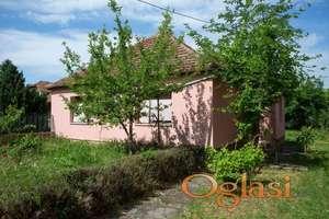 Prodajem kuću u Zmajevu