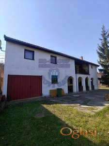 Spratna kuća sa garažom i lokalom u prizemlju!!