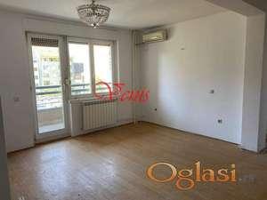 Bulevar oslobođenja kod Dnevnika  61 m2 - 320 Evra ID#1580