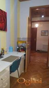 Odličan stan na Bulevaru 021/632-2111