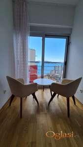 Dvosoban stan sa pogledom na more, Rafailovici