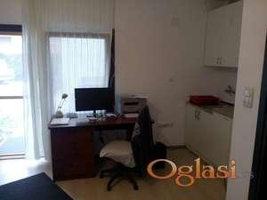Stolarska radionica sa kancelarijom i prostorom za farbanje,skladi[te,magacin