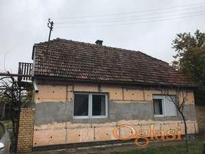 Na prodaju Porodična kuća u Zmajevu