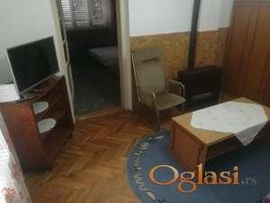 Izdajem kuću, KOMPLETNO OPREMLJENA, Novi Sad-Telep