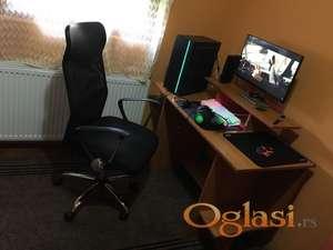 KOMPLET - Gejmerski racunar, stolica, monitor, sto.