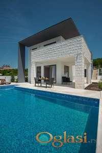 Moderna vila sa bazenom nedaleko od plaze Trsteno