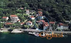 Kamena kuca u Boko-Kotorskoj. 25 metara od mora! Idealno za mini-hotel!