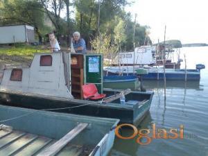 Metalni čamac sa kabinom (D:6,25m/Š:1,8m/V:1.7)