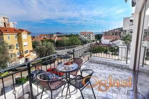 Prodaje se luksuzni mini-hotel sa 10 apartmana u Petrovcu