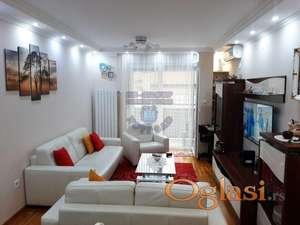 Odličan trosoban stan na odličnoj lokaciji! Naša preporuka!