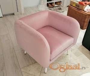 Fotelja M