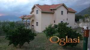 Porodična, spratna kuća, Kotor, 900000eura