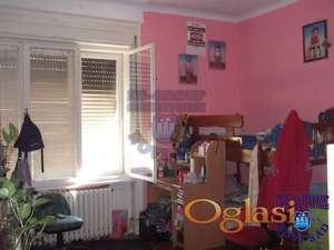 Troiposoban stan u strogom centru grada!!!021/662-0001