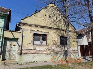 Neuseljiva kuća u centru Bečeja