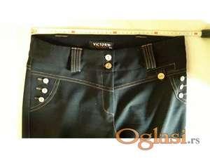 Elegantne crne pantalone br. 38