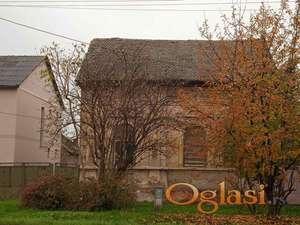 Prodajem stariju kuću u centru Bačkog Jarka