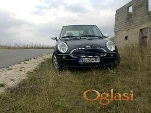 Novi Sad Mini Moris ONE 1,6 one 2002