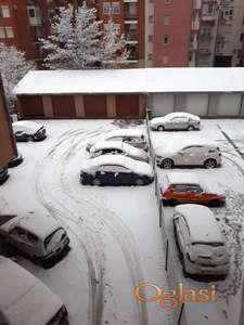 Garaža i parking mesto