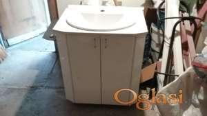 Ormarić za kupatilo sa ugrađenim lavaboom