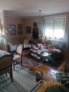 Uknjižen stan na Karaburmi ID#2445