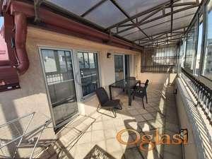 Izdavanje stanova Beograd-Dvosoban stan sa terasom od 14m2, garaža, novogradnja
