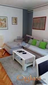 Kompletno renoviran stan na Limanu 1