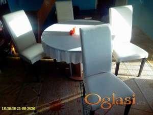 Okrugli sto na razvlačenje Forma ideale i 4 bele elegantne stolice u odličnom stanju
