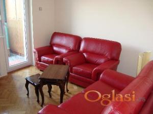 Simpo crvena kožna garnitura dvosed dve fotelje