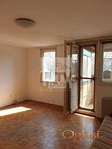 Zemun polje, 2.0 stan sa dve garaže ID#1272