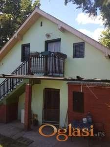 Kuća-Vikendica, propratni objekti, okolina Kamenice, 3621m.kv. 160000eura - prelepo